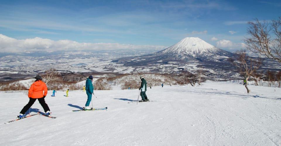 Spring skiing in Niseko 1